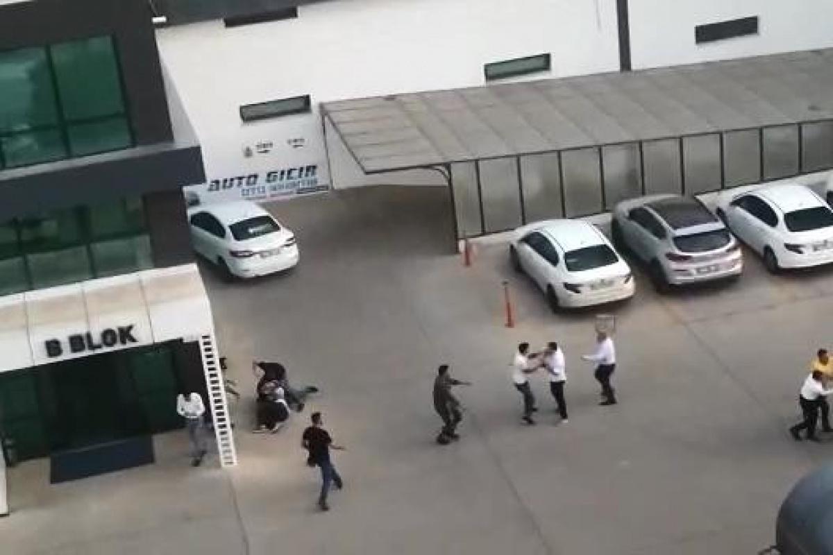 Diyarbakır'da otoparktaki kavgada kürsüler ve yumruklar havada uçuştu: 3 yaralı