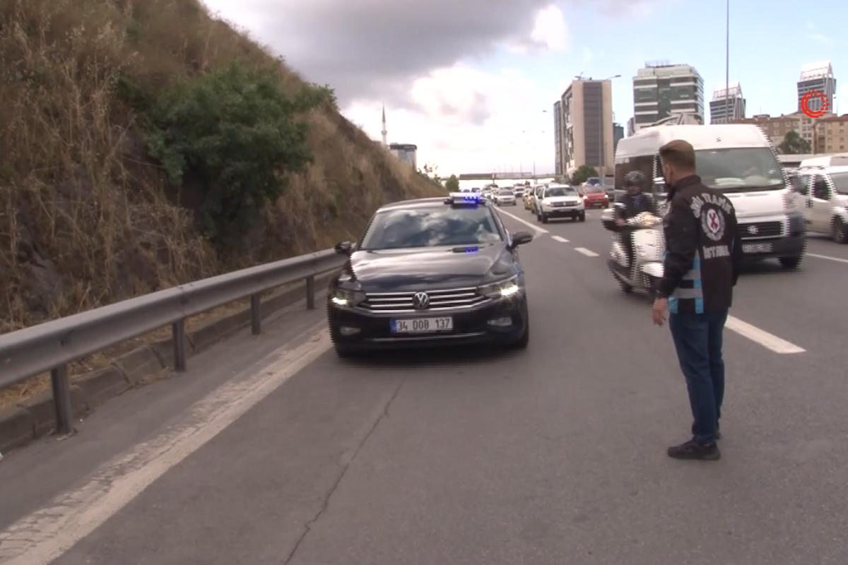 İstanbul'da çakarlı araçlara göz açtırılmıyor