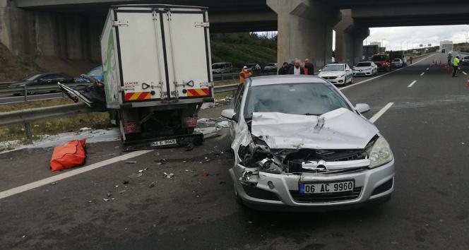 Başkentte feci kazada üç kamyon birbirine girdi: 1 ölü, 2 yaralı