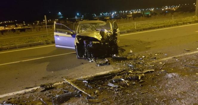 Ardahanda otomobil ters yöne girdi: 1 ölü, 1 yaralı