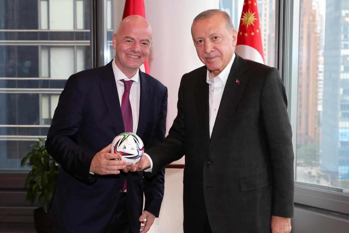 Cumhurbaşkanı Erdoğan, FIFA Başkanı Infantino'yu kabul etti