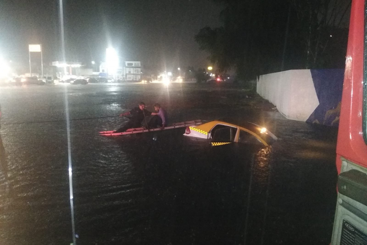 Meksika'da şiddetli yağışlar sele neden oldu