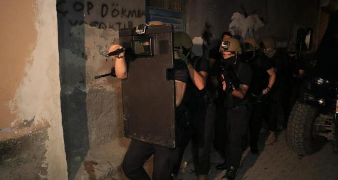 Adana ve İstanbulda DEAŞ operasyonu: 14 gözaltı kararı