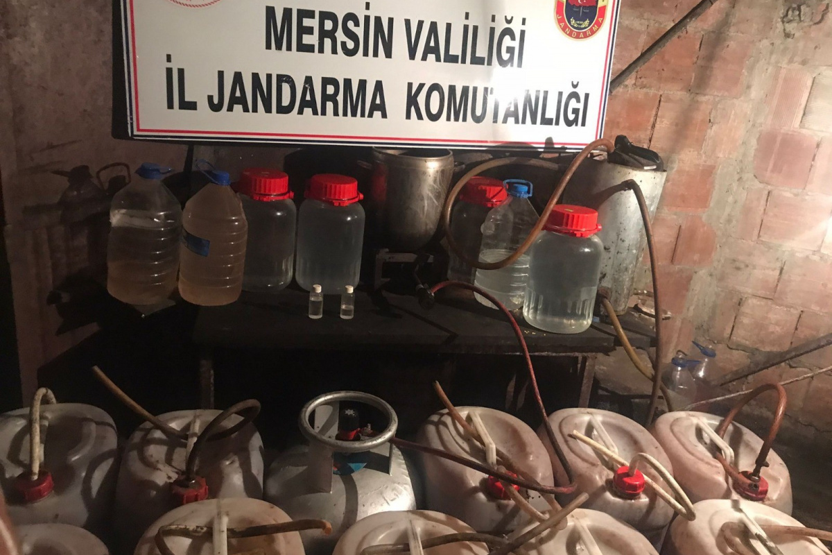 Mersin'de 336 litre sahte içki ele geçirildi