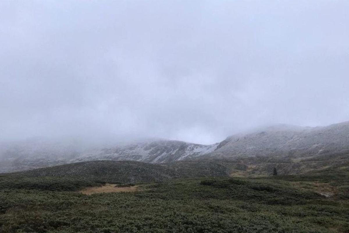 Uludağ'a kar yağdı