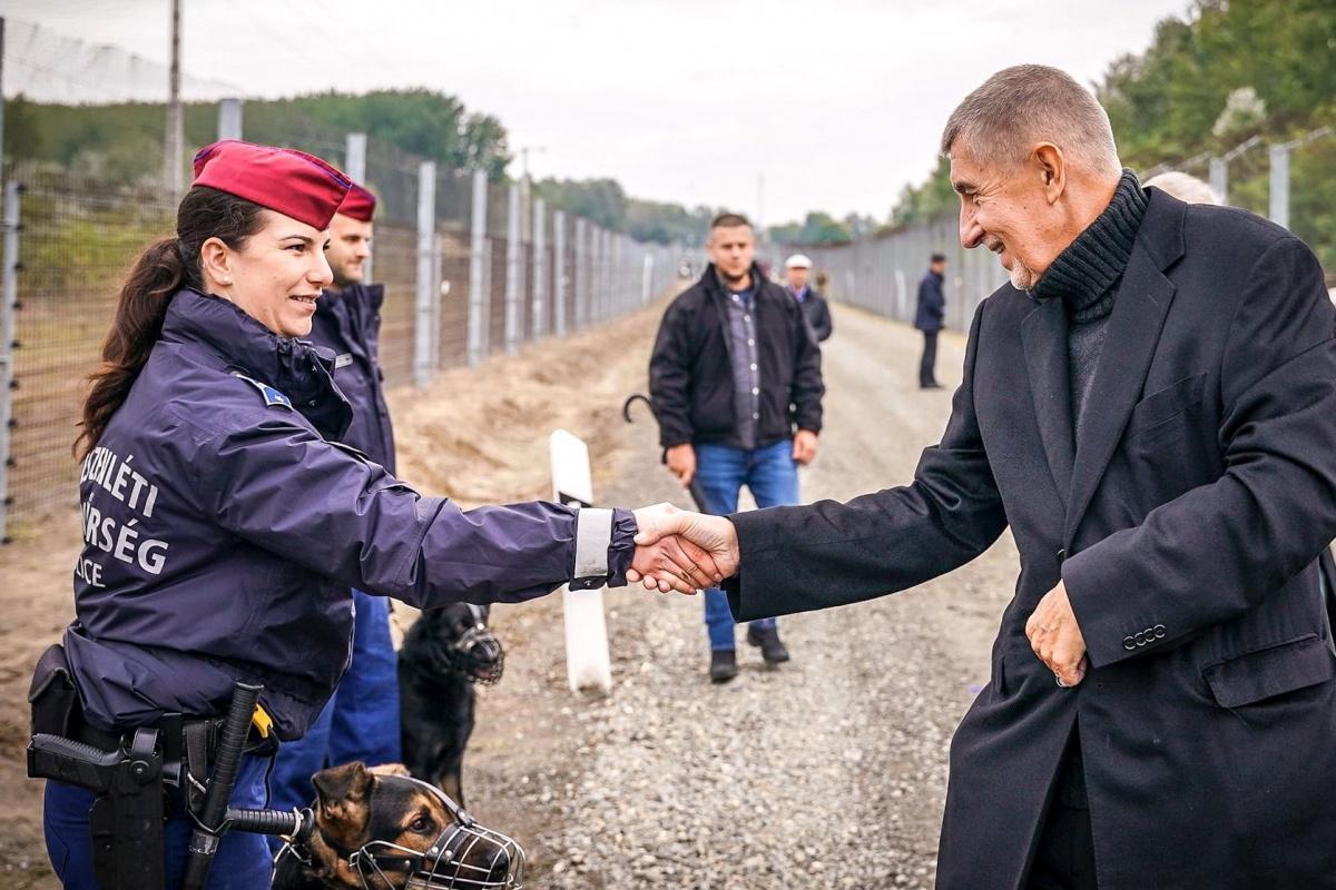 Çekya: 'Yasa dışı göçün kesin çözümü Bulgaristan-Türkiye sınırına tel örgü çekmektir'