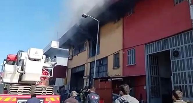 Başakşehirde sanayi sitesinde korkutan yangın