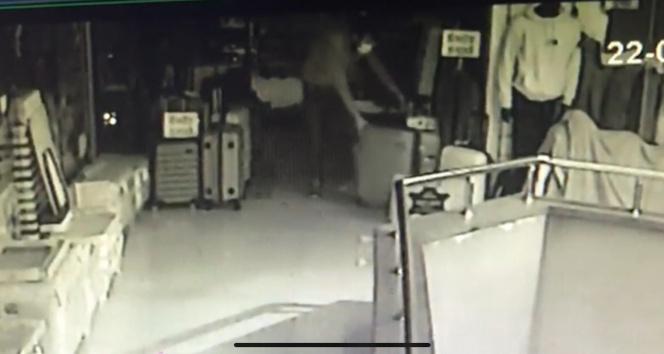 10 dakikada hırsızlık kameralara böyle yakalandı
