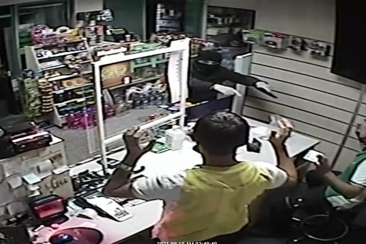 Akaryakıt istasyonundaki silahlı soyguna 1 gözaltı