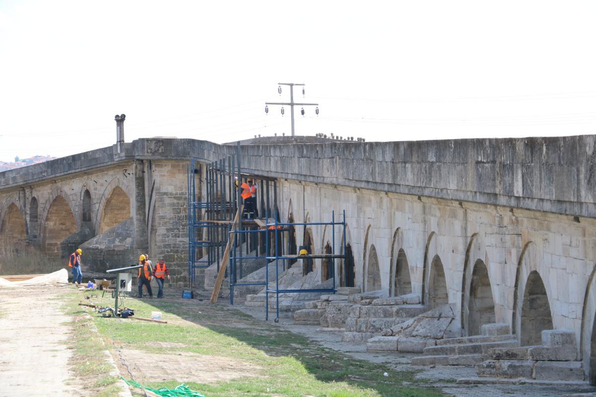 Tam 6 asırdır ayakta olan Uzunköprü restore ediliyor