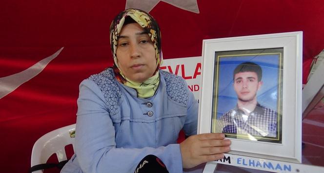 Evlat nöbetindeki anne, kaçırılan oğlu için HDPyi işaret etti