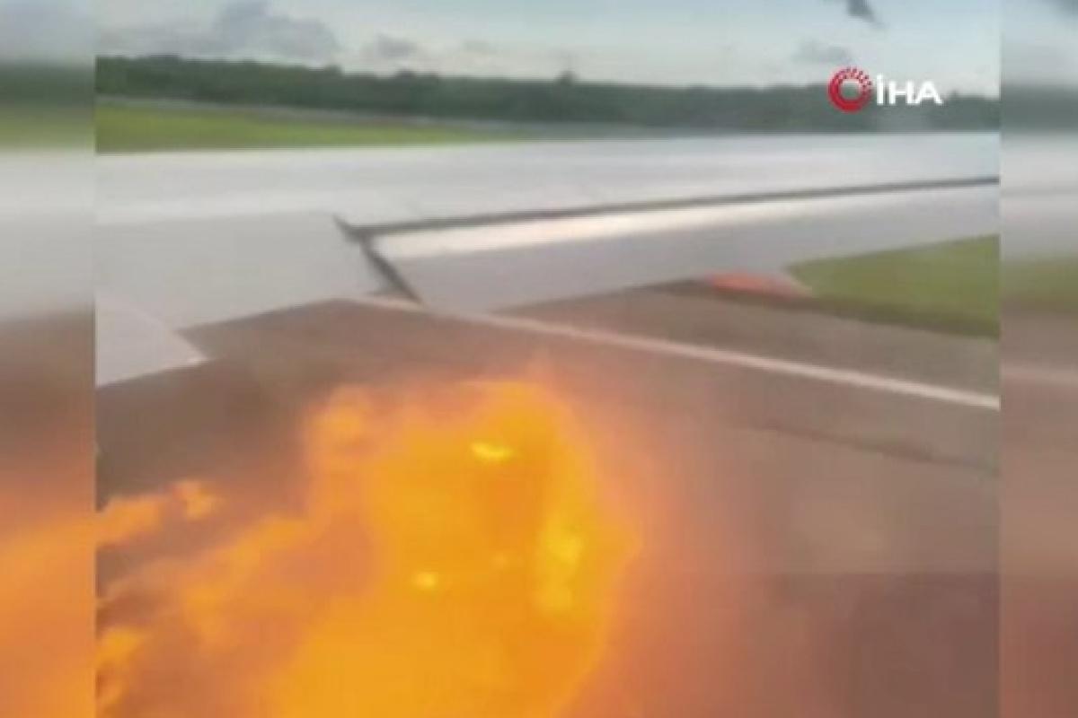 Küba-Rusya seferi yapan uçağın motoruna kuş sıkıştı, motordan alev topları çıktı