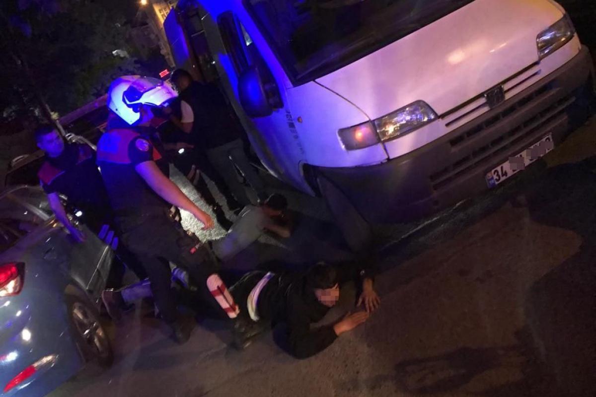 İstanbul'da minibüsle motosiklet çalan hırsızlara suçüstü