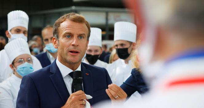 Fransa Cumhurbaşkanı Macrona yumurtalı saldırı