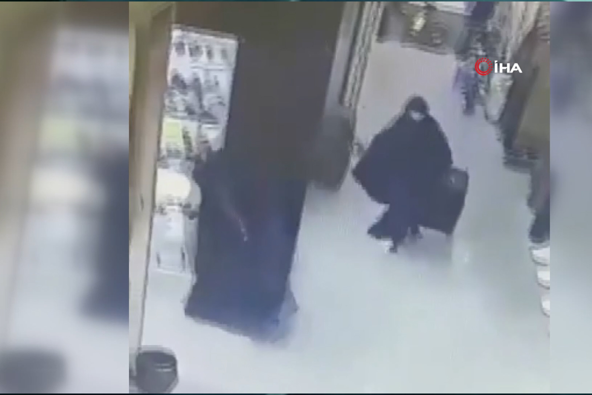 Filistin'de silahlı soyguncular kadın kılığına girerek kuyumcu soydu
