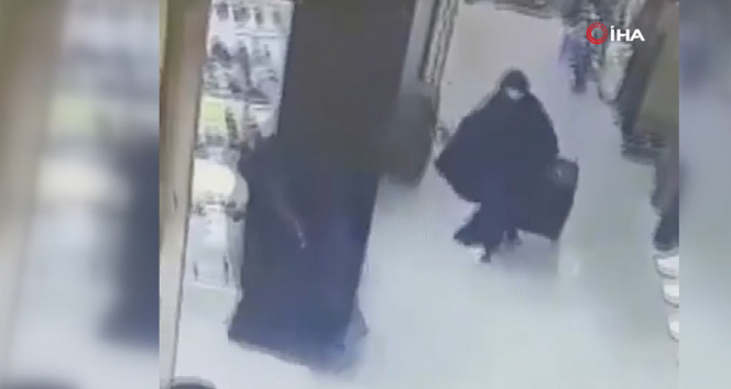 Filistinde silahlı soyguncular kadın kılığına girerek kuyumcu soydu
