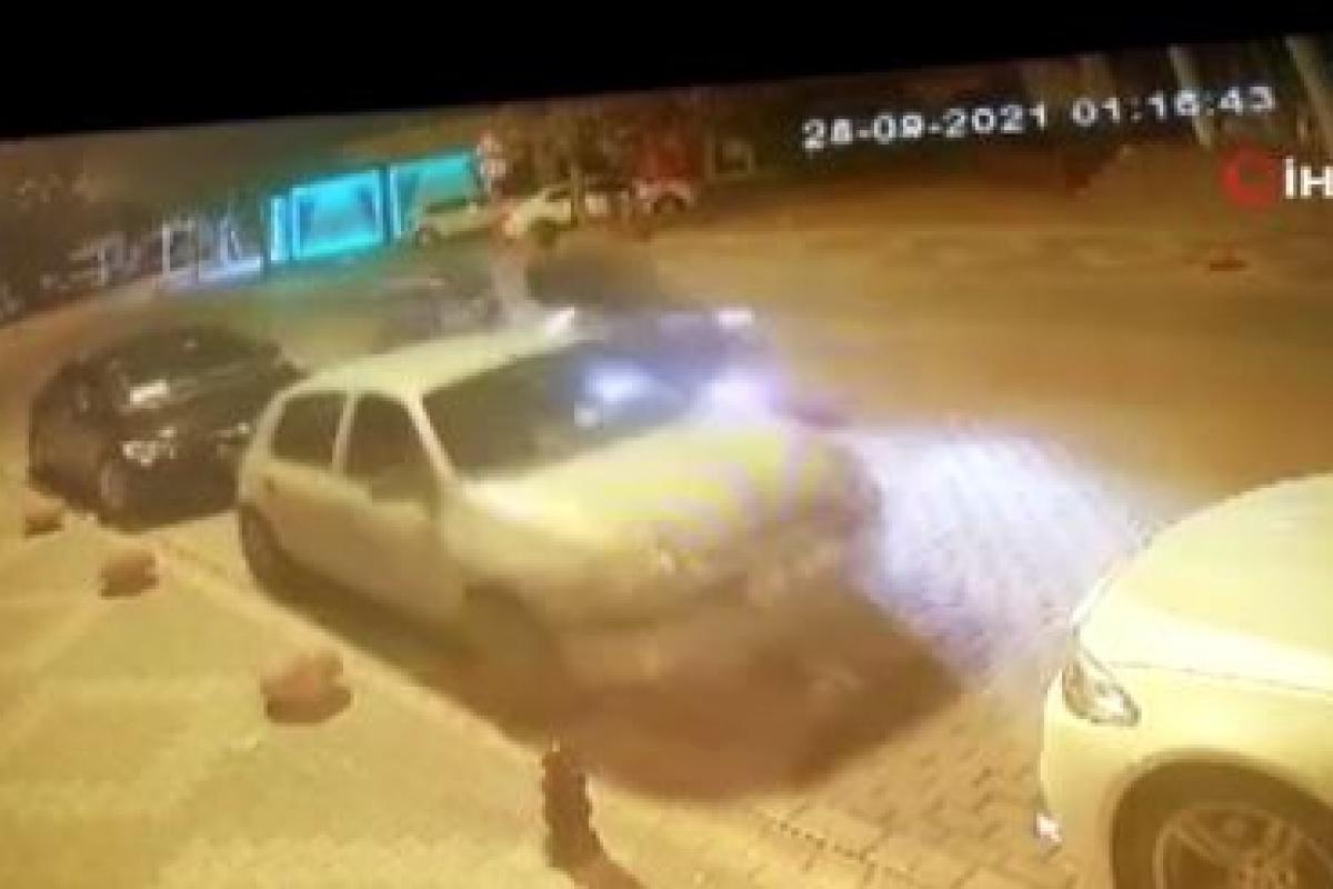 Kontrolden çıktı, park halindeki otomobillere çarpıp takla attı