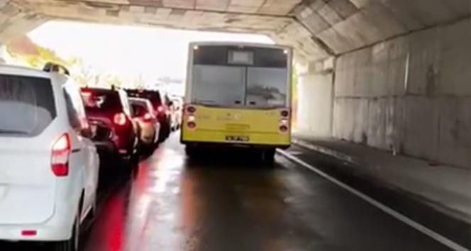 İETT otobüsü arızalandı, trafik felç oldu