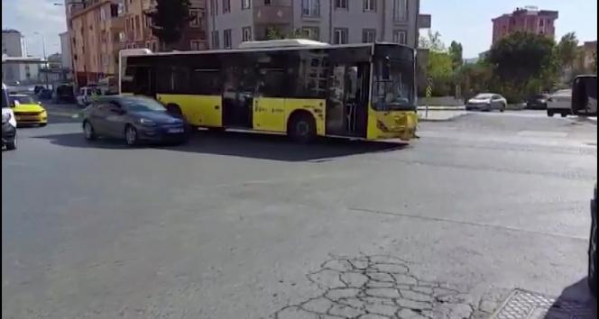Arızalanan İETT otobüsü Pendikte yolun ortasında kaldı