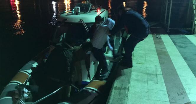 Yunanistanın geri ittiği 10 düzensiz göçmen kurtarıldı