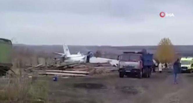Rusyada uçak düştü: 16 ölü, 7 yaralı