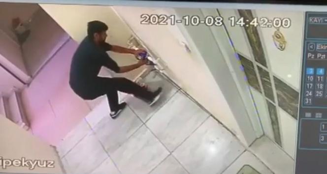 Batmanda su sayaçlarını çalan hırsız kameraya takıldı