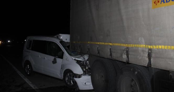 Konyada 4 araç zincirleme kazaya karıştı: 1 ölü, 1 yaralı