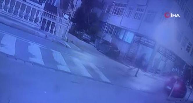 Dur ihtarına uymayıp polise ateş açtılar, 1 polis bacağından vuruldu