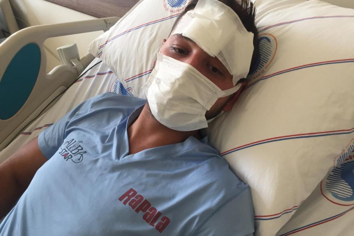 Adana'da 15 kişinin sopalarla darp ettiği genç ölümden döndü