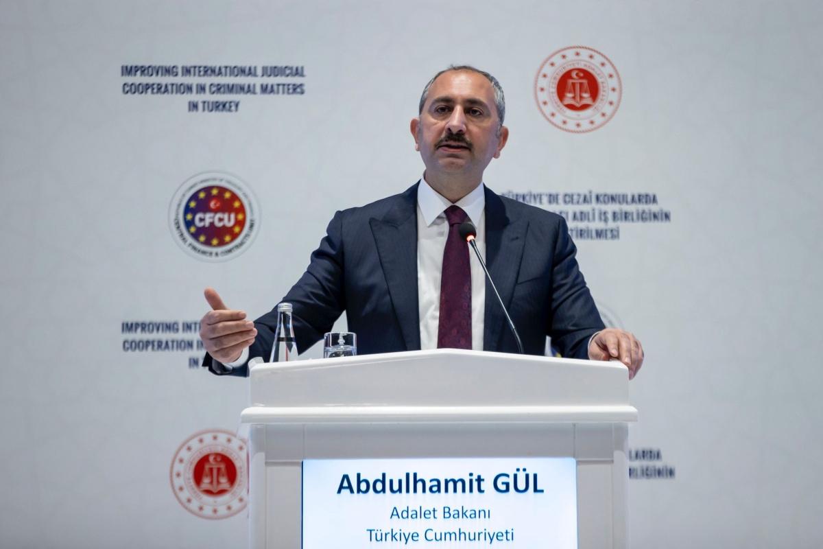 Bakan Gül: 'Dün olduğu gibi bugün de teröre karşı işbirliğine açığız'