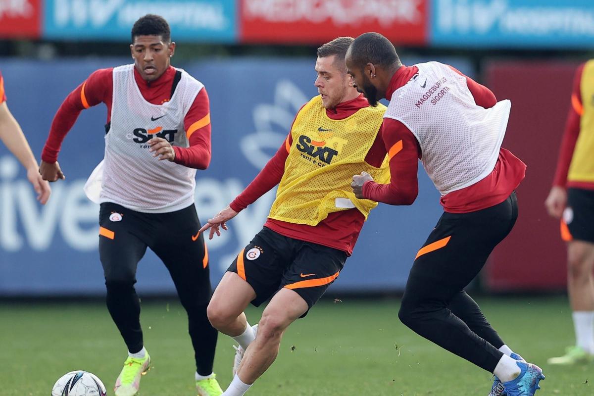 Galatasaray'da milli oyuncular antrenmanda yer aldı