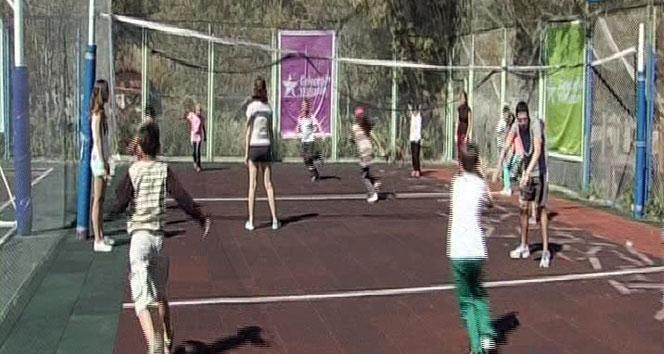 PKU'lu çocuklar Uludağ'da kampa girdi