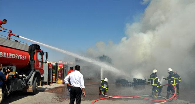 İçecek firmasının deposunda korkutan yangın