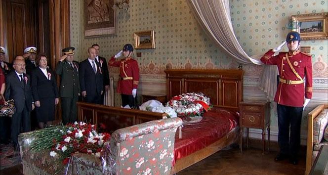 Atatürk, Dolmabahçe Sarayı'nda anıldı